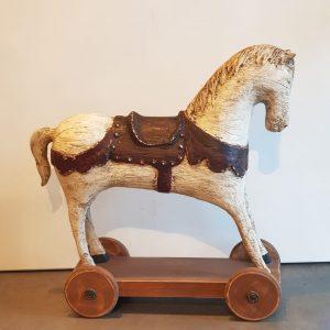 Caballo Antique